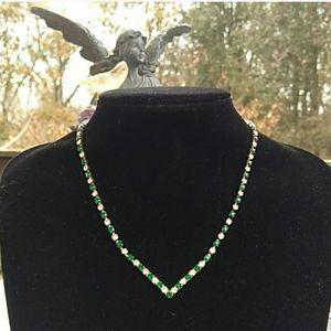 VINTAGE Green /White Rhinestone 'V' Collar Necklac